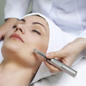 Microneedling In 2017 Anti Aging Amp Scar Treatments